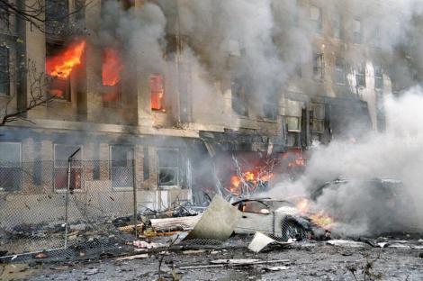 """11 septembrie 2001. Povestea care a îndoliat lumea: """"Cicatricile de pe cap şi de pe braţe îmi amintesc în fiecare zi cât de norocos sunt"""""""