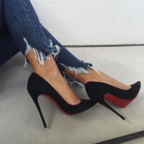 Pantofii cu toc au fost prima dată purtați de bărbați. Nu îți vine să crezi în ce scop