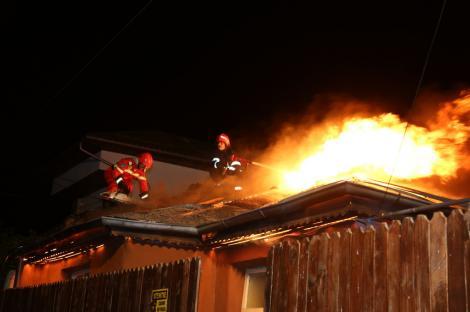 Incendiu la un azil de bătrâni din Capitală: o persoană a decedat, alte 19 au fost transportate la spital! Clădirea nu avea autorizaţie de securitate la incendiu! UPDATE