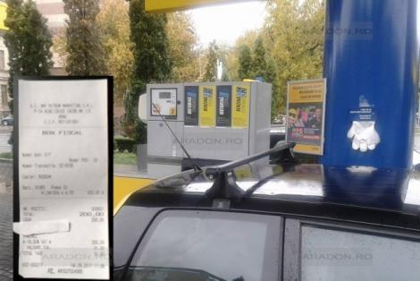 """Rezervor de 34 de litri, bon de 42! Un șofer a povestit cum a fost furat la pompă: """"Când am văzut că nu se mai opreşte, am fost şocat"""""""
