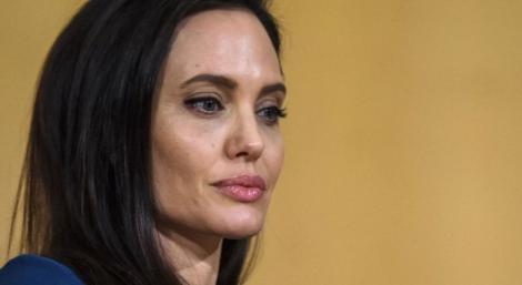 Angelina Jolie a ajuns un SCHELET! Imaginile care îi îngrijorează din nou pe fanii actriței