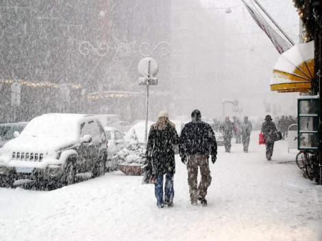 Meteorologii anunță ninsori în weekend! Gata, vine iarna în România și intrăm în normalitate!
