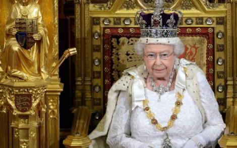 """Regina Elisabeta a Marii Britanii, clipe de coșmar în ziua încoronării. Abia acum a decis să spună totul: """"Dacă aş fi aplecat capul, mi s-ar fi rupt gâtul"""""""