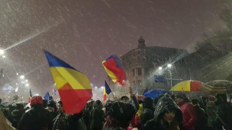 """PROTESTELE DE LA 20 IANUARIE. Presa internaţională vuiește! EURONEWS transmite în DIRECT protestul de la Bucureşti: """"Hoţii, Hoţii"""""""