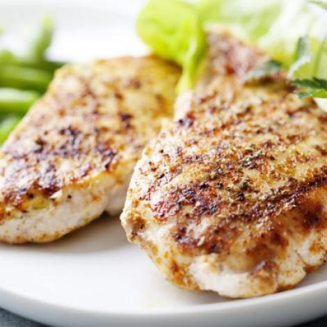Cum dai gust pieptului de pui! Secretele acestea te ajută să pregătești o carne delicioasă