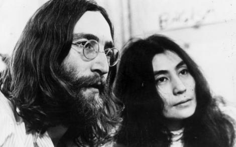 """La 78 de ani de la naşterea lui John Lennon, văduva lui ne-a amintit de """"Imagine""""- o interpetare nouă, ce vă va face sufletul să vibreze"""