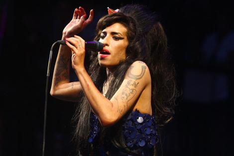 Vestea care face înconjurul lumii! Regretata Amy Winehouse revine pe scenă, sub forma unei holograme