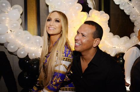 Când destinul își face treaba! Iubitul lui Jennifer Lopez dezvăluie o fotografie veche de 17 ani care le prevestea relația