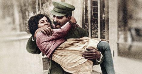 Soarta blestemată a copiilor lui Stalin! Și-a lăsat fiul pe mâna naziștilor, refuzând schimbul propus de Hitler!