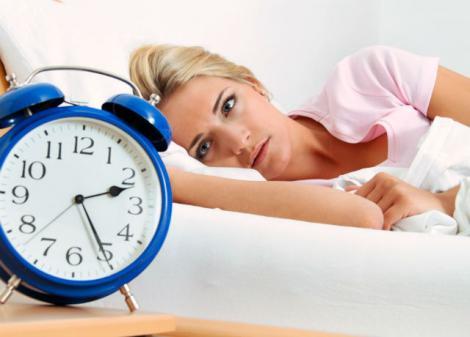 Aveți probleme cu somnul? Cauza? O greșeală pe care o face toată lumea! Iată câteva trucuri cu efect garantat