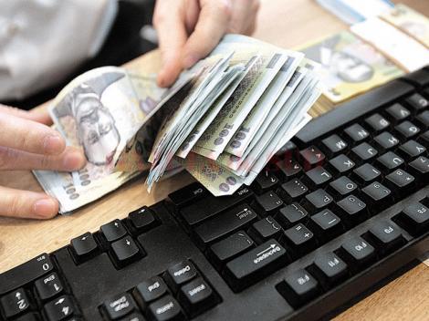 Lovitură pentru cei cu credite la bancă! Ratele românilor cresc din nou