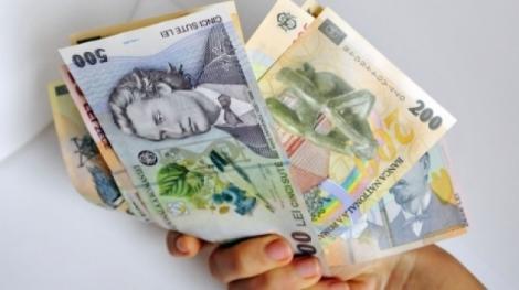 Îi folosești zilnic, dar habar n-ai avut din ce sunt făcuți banii! Substanța utilizată pentru realizarea bancnotelor a fost dezvăluită!