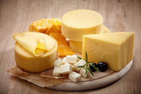 Îți place brânza? Atenție MARE! Creează dependență precum un DROG! Ce se întâmplă în organismul nostru