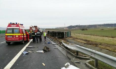 ULTIMĂ ORĂ! Un bărbat a murit pe loc, iar un altul a fost rănit grav, în urma unui ACCIDENT cumplit! Traficul este BLOCAT COMPLET