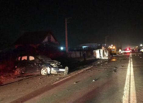 A fost jale pe șoselele din România! Cinci persoane au fost rănite, după o coliziune între cinci mașini
