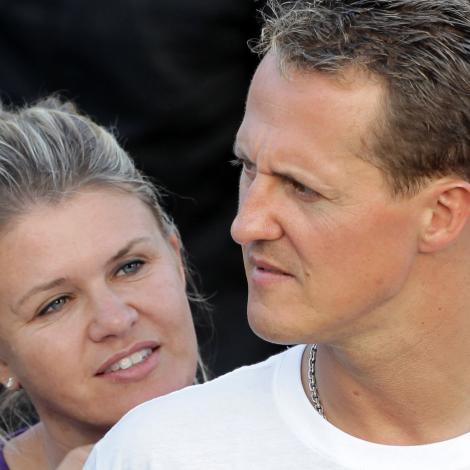 """Pentru prima oară după accidentul lui Michael Schumacher, soția pilotului rupe tăcerea! """"Știm cu toții căMichael este un luptător și nu va renunța niciodată"""""""