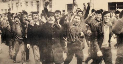Astăzi se împlinesc 31 de ani de când 10.000 de români au avut curaj să-și înfrunte conducătorul și să strige pentru prima dată în numele dreptății ,, JOS, Ceaușescu!''și ,,Deșteaptă-te, române''