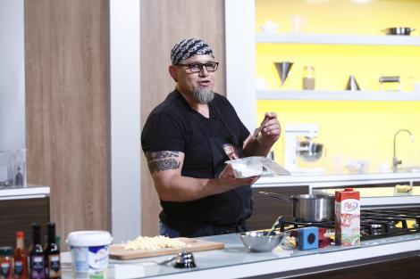 Felician s-a întors și a gătit ceva...unic! Cum arată Bontea, Scărlătescu și Dumitrescu sub formă de mâncare?