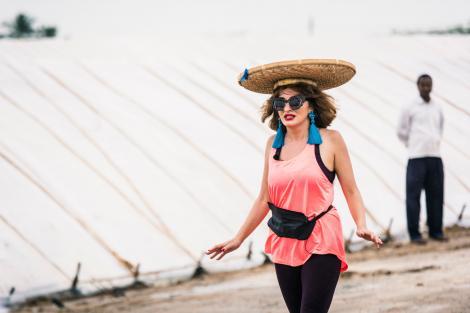 Ana Morodan - lecții de fashion în Asia Express