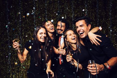 Ce faci de Revelion 2019. Unde întâmpină Românii Anul Nou