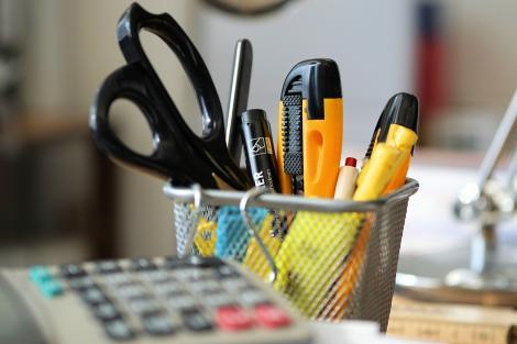 3 produse de papetarie care te vor ajuta sa iti organizezi spatiul de lucru
