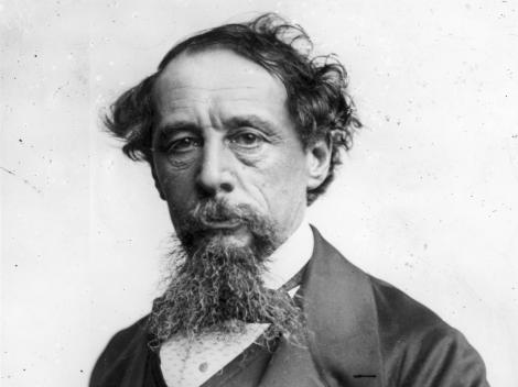 """Fața lui Charles Dickens a ajuns… mucegăită! Unde a fost găsit portretul pierdut al celebrului scriitor. Așa arăta în tinerețe, când a scris """"Colind de Crăciun"""" – FOTO"""