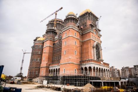 Cum arată Catedrala Mântuirii Neamului care va sfințită duminică. Imagini spectaculoase din interior! FOTO