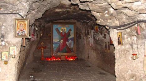 Sf Andrei. Ce semnifică Pelerinajul la Mănăstirea Peștera Sf Apostol Andrei