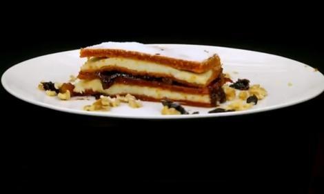 Prăjitură cu bulion și cremă de griș