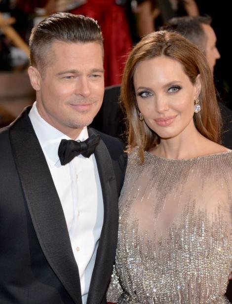 Angelina Jolie și Brad Pitt au cerut ajutorul celui care i-a căsătorit! Să fie vorba despre o împăcare?