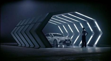 Premieră mondială! A fost lansată prima reclamă concepută exclusiv de inteligența artificială! Spotul,  filmat de un regizor de Oscar