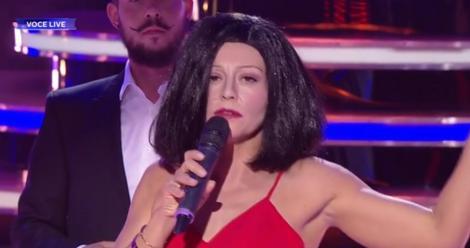 N-a fost perfectă? Ba daaa... Alexandra Velniciuc a adus-o pe Elena Cîrstea direct pe scena Te cunosc de undeva!