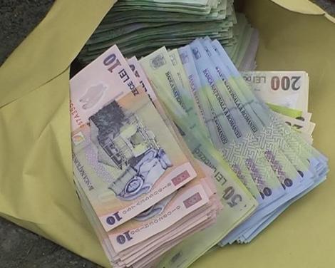 Veste uriasă de la Guvern! Sute de mii de români ar putea avea salarii duble faţă de restul angajaţilor