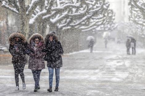 Iarnă de coșmar?! Meteorologii au anunțat când vin primele ninsori! Cum va fi luna decembrie