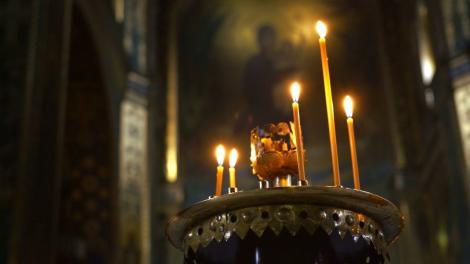 Creștinii din biserică s-au CUTREMURAT! Ce a apărut pe perete