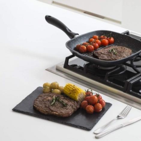 CONCURS! Câștigă o tigaie Regis Stone Griddle Pan, cu care poți face cel mai gustos grătar din lume!