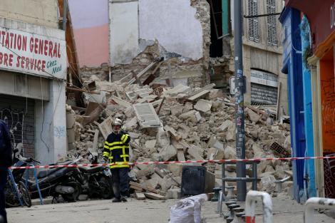 Momente de GROAZĂ în Franța! Două clădiri din centrul Marsiliei s-au PRĂBUȘIT peste trecători