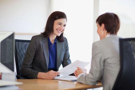 Cele mai frecvente 50 de întrebari care ți se pun la un interviu de angajare! Nu ai nicio șansă dacă nu știi să răspunzi la ele. La întrebarea 48, tu ce ai răspunde?