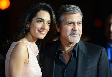 Nimeni nu i-a mai văzut până acum! Prima imagine cu gemenii lui George Clooney. Cu cine crezi că seamănă?