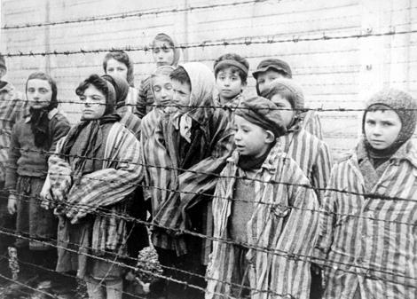 Momentul care îți va face pielea de găină! Muzica interpretată de prizonieri de la Auschwitz, readusă la viaţă -  VIDEO