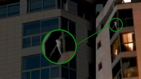 Caz șocant în Ploiești! O fetiță în vârstă de 13 ani a vrut să se arunce de la ultimul etaj al unei parcări supraetajate. Cum a fost salvată