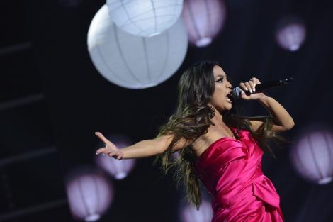 """Bellissima Bella! Forță, voce și mult suflet. Trei calități care au dus-o pe eleva Deliei aproape de inimile oamenilor: """"Eu cred că ea va câștiga X Factor!"""""""