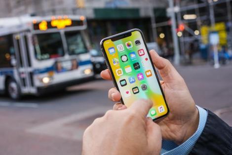 Compania Apple și-a mințit clienții în privința noilor telefoane, iar acum aceștia cer despăgubiri! Cum au fost păcăliți