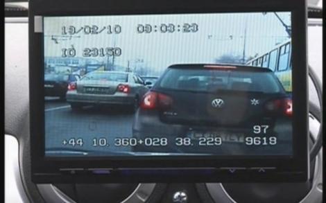 Amendă record încasată de un șofer teribilist, de 23 de ani! A fost urmărit de trei echipaje de poliție și a rămas și fără permis