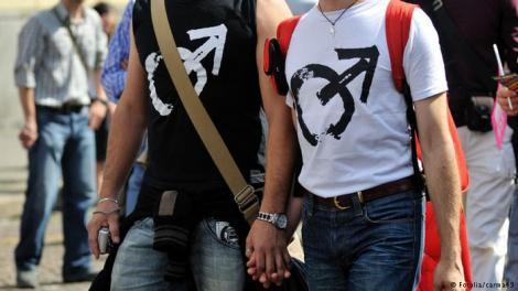 """Încă un scandal vizează zguduie comunitățile homosexuale! """"Persoanele gay ar trebui să fie excluse!"""""""