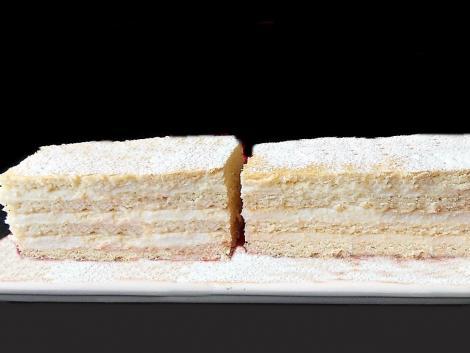 Cum se prepară cea mai populară prăjitură din sezonul rece: Prăjitura Lămâița