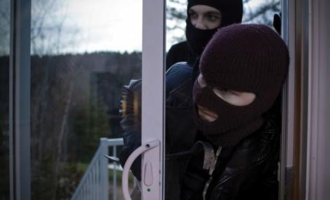 Un celebru fotbalist, prădat de hoți în ajun de sărbători! Tâlhării au reușit să fure obiecte de sute de mii de euro