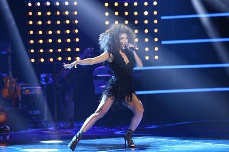 """Interpretare ULUITOARE a Bellei Santiago în Finala X Factor: """"De pe ce planetă ai venit, Bella?"""""""