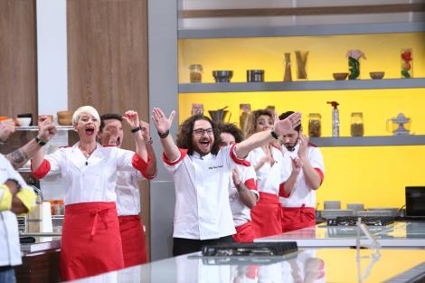 """Încă o victorie pentru echipa roșie! Chef Dumitrescu și echipa sa au câștigat proba """"Main Course"""""""