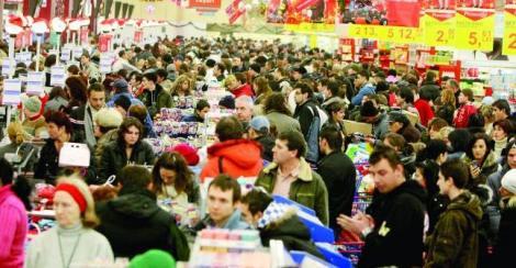 Revelionul îi prinde pe români la cumpărături! Care este programul hypermarketurilor și mall-urilor din toată țara